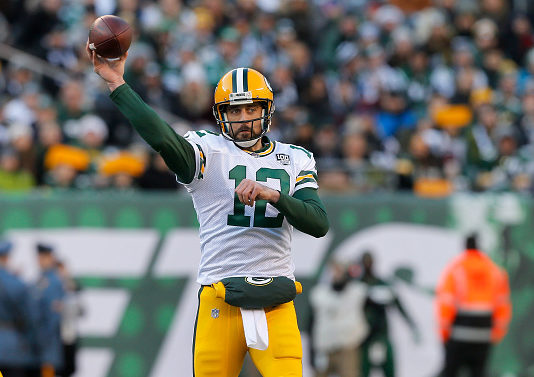 NFC North quarterback rankings - Aaron Rodgers in action against the New York Jets