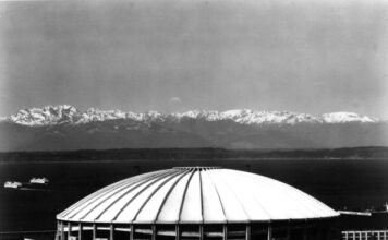 stadiums that no longer exist